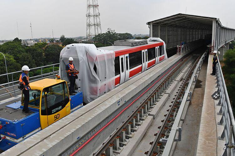 Tinjau Uji Coba Sistem Persinyalan LRT Jabodebek, Menhub Bangga dengan Karya Anak Bangsa