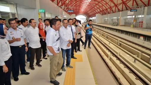 Menhub Budi Karya Uji Coba Sistem Persinyalan LRT Jabodebek