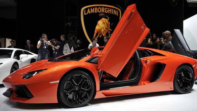 Cuci Ban Lamborghini Pakai Sampanye Mahal, Putra Miliarder Ini Tuai Kontroversi