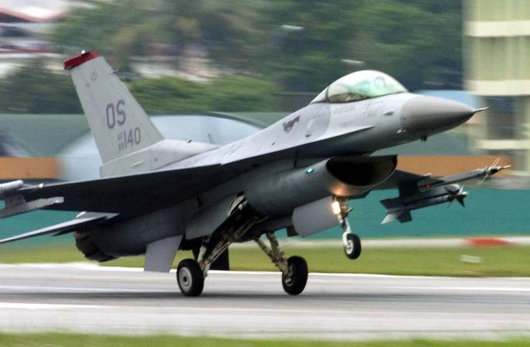 Jet Tempur Hilang Saat Latihan Militer, Taiwan Kandangkan Unit F-16